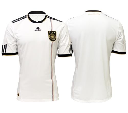 6267fa4babaf9 Camisas de Futebol  Julho 2011